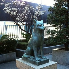 狛犬探訪 御嶽神社 昭和五十五年に再建された時のもので写実的 子連れでもない