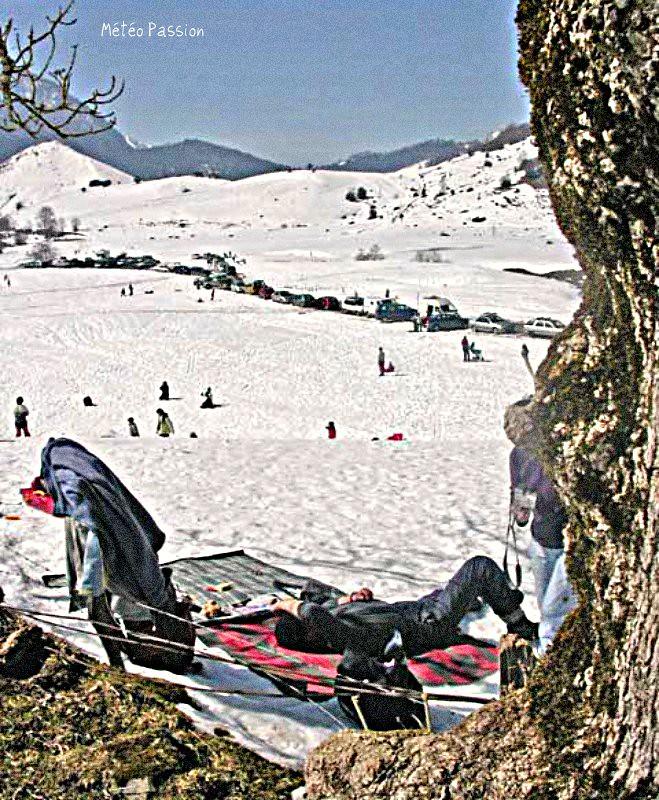 bain de soleil dans les Pyrénées au début de la vague de chaleur et de douceur de mars 2005 météopassion