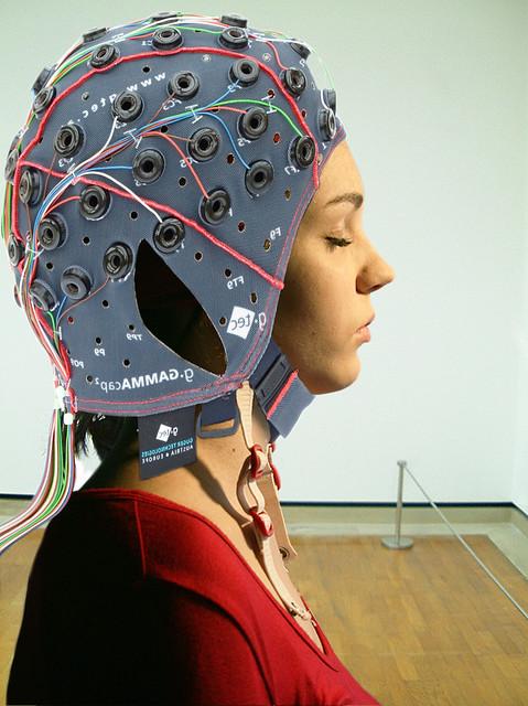 未來讀心術可能成真?在頭腦植入晶片,就知道你在思考什麼!