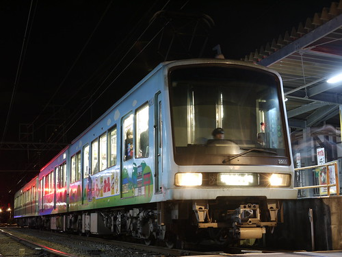 江ノ電2003F+1001F稲村ヶ崎行き最終電車@長谷