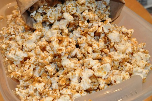 popcorn with maple syrup & salt 17