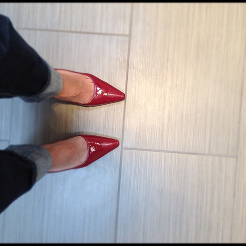 Day 9: red - tomorrow in Nat'l womens and girls HIV/Aids Awareness Day #rocktheredpump