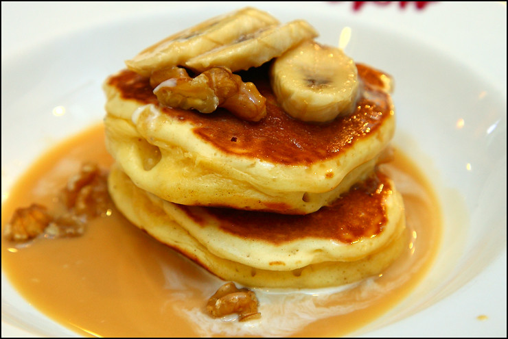 banana-walnut-pancake