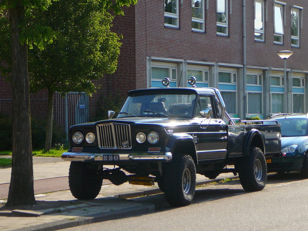 Jeep kaiser gladiator j 3700 1969 amsterdam wiltzanghlaan 06 2011