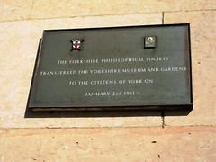 Photo of Bronze plaque number 9066