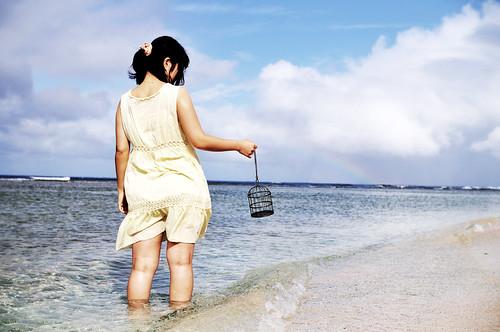無料写真素材, 人物, 女性  アジア, 人物  海, 人物  後ろ姿, 鳥かご