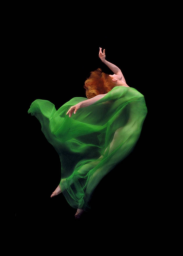 graceful-underwater-photography-by-howard-schatz