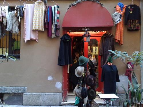 Vintage shopping by durishti