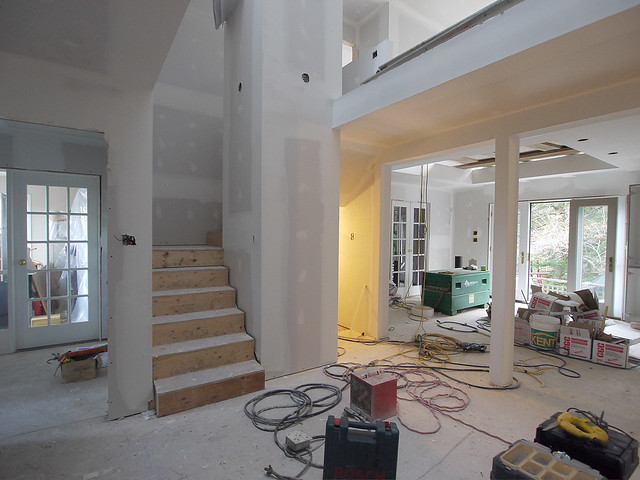 foyer-to kitchen