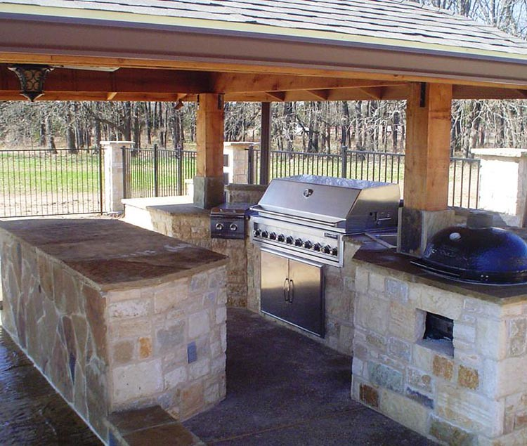 Custom-Outdoor-Trends- Dallas outdoor kitchen with stainle ...