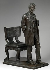 Lincoln standing statue