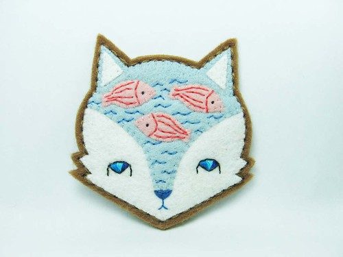 Fox mind - Lake of imaginary fish felt brooch