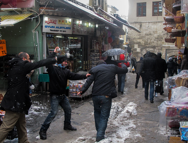 Market Snowball Fight