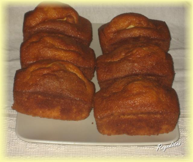 MINI CAKES DE FRUTAS