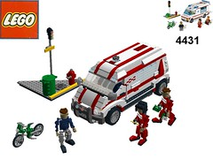 Lego City Ambulance - Nr. 4431 / 6666 Recreated in Miniland Scale