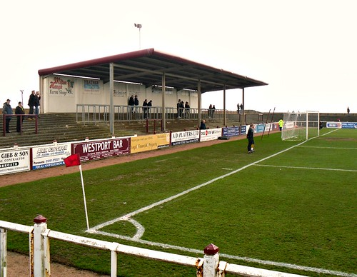 Gayfield, Covered Terracing behind north goal