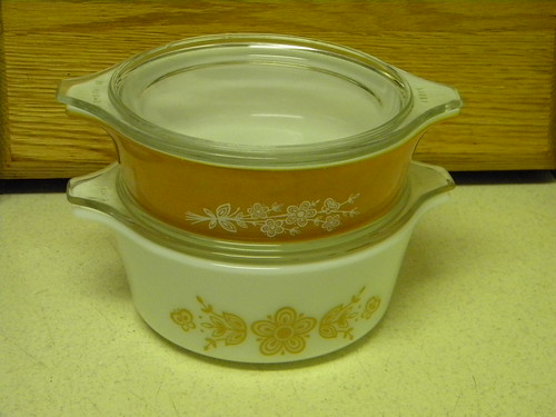 Butterfly Gold I and II Bake Serve Store Casseroles