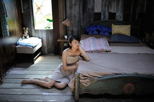 無料写真素材, 人物, 女性  アジア, 頬杖, ワンピース・ドレス, 台湾人