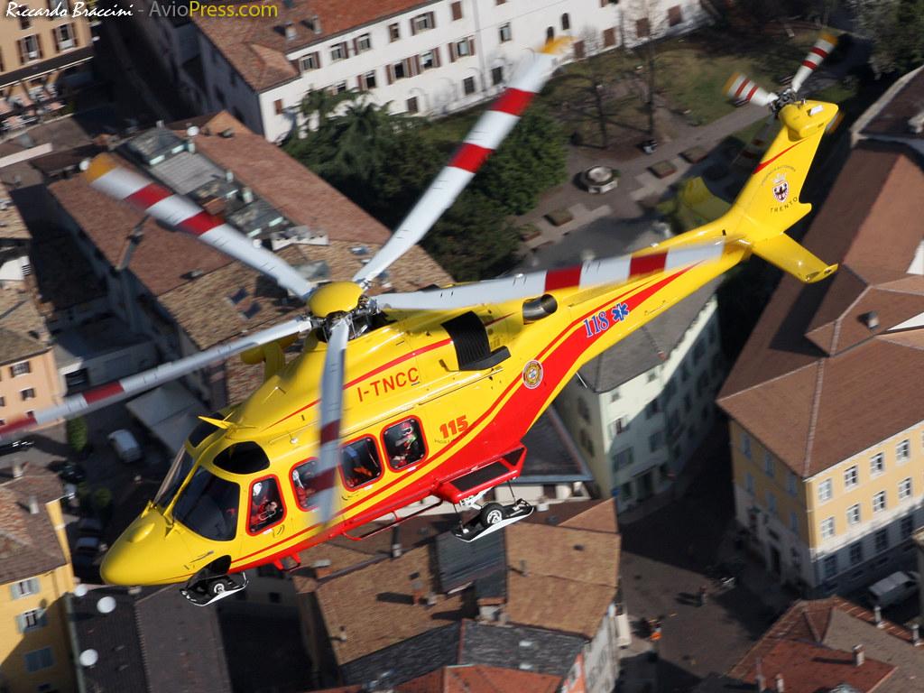 Elicottero 139 : Nucleo elicotteri vvf pat a photo on flickriver