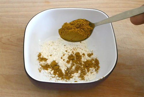15 - Curry zu Mehl geben / Add curry to flour