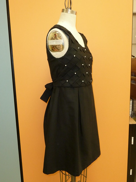 black_pearl_dress_3q