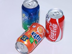 bottle(0.0), aluminum can(1.0), soft drink(1.0), carbonated soft drinks(1.0), tin can(1.0), drink(1.0), cola(1.0), coca-cola(1.0),