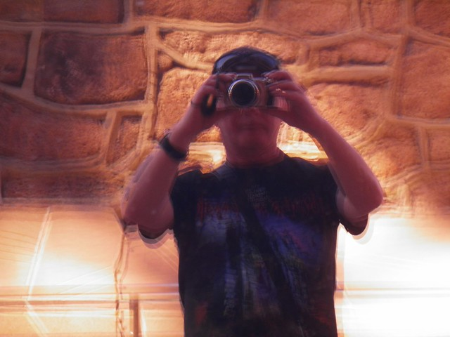Fuzzy Fotographer 1
