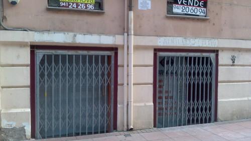 Local cerrado en calle Calvo Sotelo de Logroño