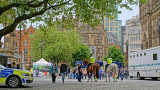 Bild von Albert Memorial. horses manchester community sony police vans hdr enlgand