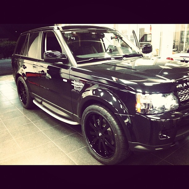 Scott Disick RANGE ROVER On 24 Forgiato RIMS (1)