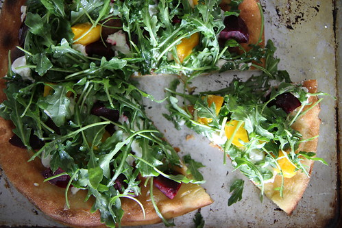 Beet, goat cheese and arugula pizza