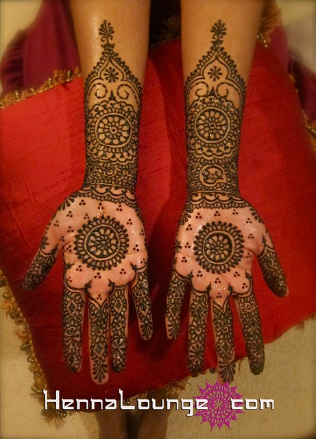 Janaki's mehndi with mandala in palms