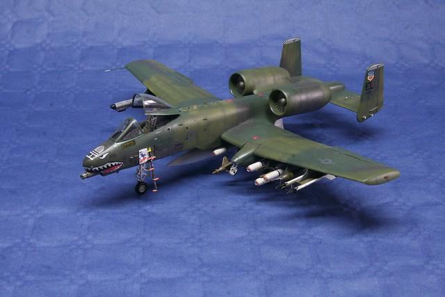 Fairchild A-10 Thunderbolt II   « Warthog »  6848072896_29630bc87c_z