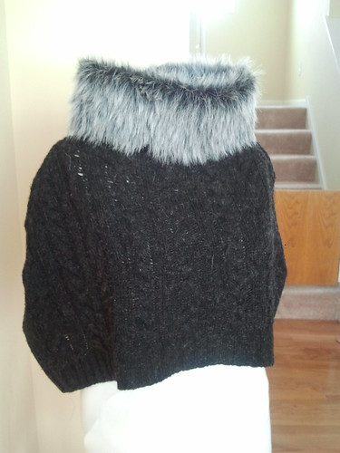 Capelet woth faux fur collar DIY upcycle