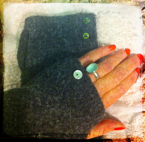 recycled sweater project, fingerless gloves