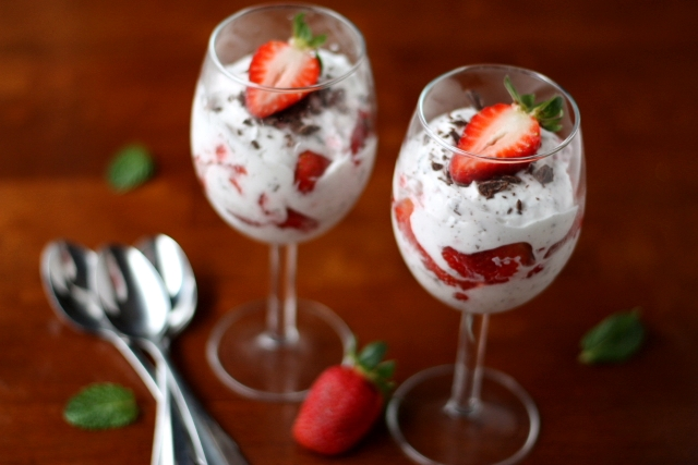 Strawberries and Chocolate Fool