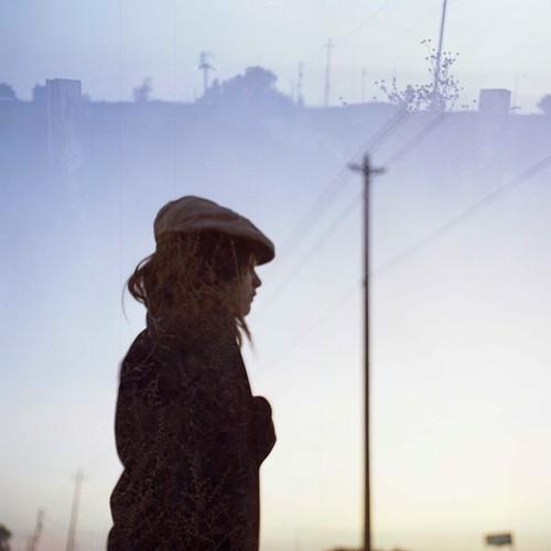 無料写真素材, 人物, 女性, フォトレタッチ, 人物  横顔・横を向く, 帽子, 人物  目を閉じる