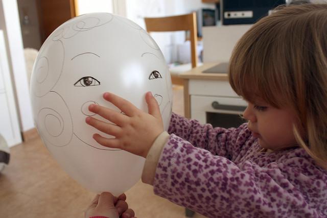 el globo nena con Enya
