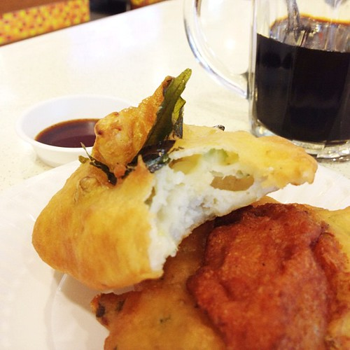 Possibility #1: taking a mid-dai break with one Empire Vadai and one Muar Otah Vadai