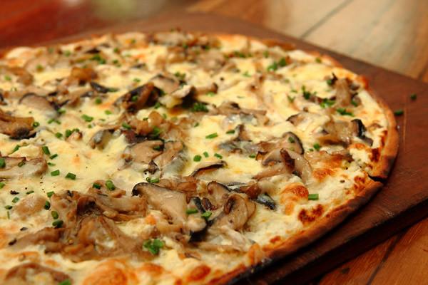 Mushroom.Pizza.Closeup.View