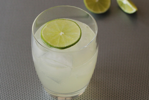 Moscow mule vodka drink drink and cocktail recipes for Easy shot recipes with vodka