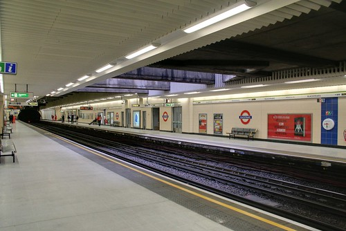 Blackfriars station platforms