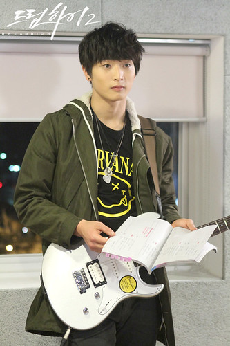 Dream High 2: JB (Jang Woo Jae) vs. Jin Yoo Jin (Jin Woon 2 AM)