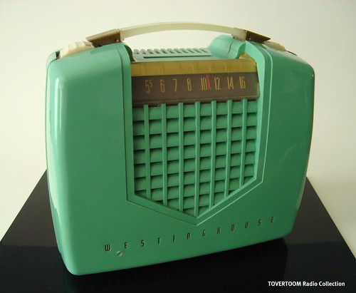 WESTINGHOUSE Portable Tuberadio Model H-331P4U (USA 1952)