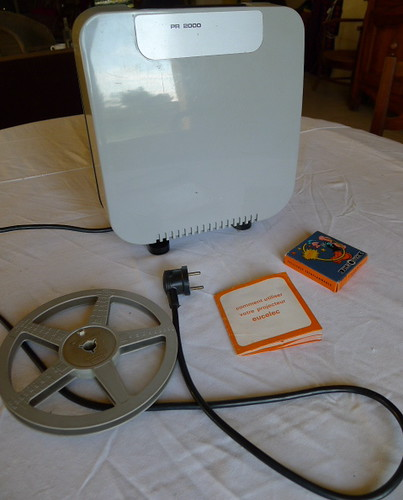 projecteur super 8 EUCELEC MURAY PR 2000 by angelarune