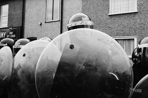 23-riot-police-800x531