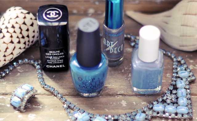 blue nail polishes -shells- vintage blue rhinestone necklace, manicures, nail diys
