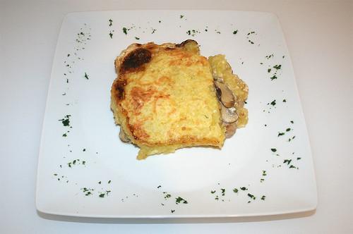 23 - Schweinelende in Kloßteig / Pork loin in dumpling dough - serviert