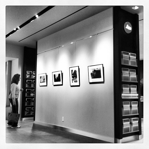 Peter Turnley exhibit at Leica store