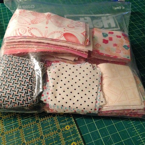 Lots of options for my cherry blossom quilt! #handwork #epp #ihopeiactuallydothis